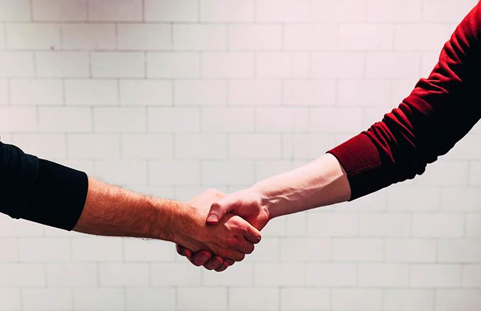 отношения с клиентите